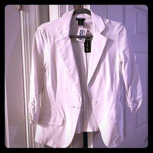 NWT white soho 3/4 sleeve blazer Sz Medium
